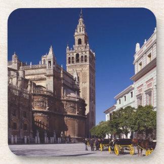 Campanario y catedral, Madrid, España de Giralda Posavasos