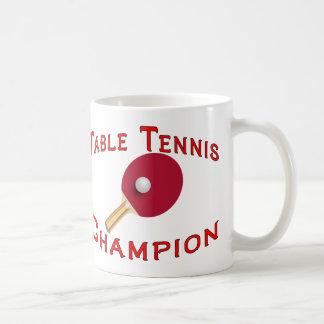 Campeón de los tenis de mesa taza básica blanca