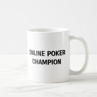 Campeón en línea del póker taza de café