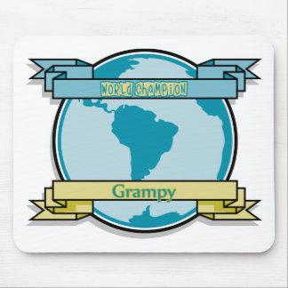 Campeón Grampy del mundo Alfombrillas De Raton