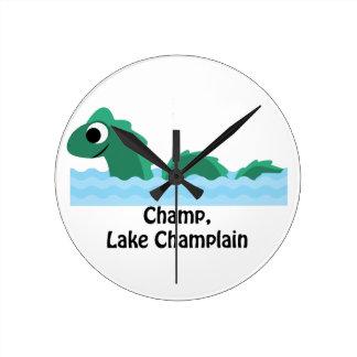Campeón, lago Champlain Reloj Redondo Mediano