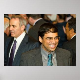 Campeón Vishy Anand del ajedrez del mundo Posters