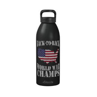 Campeones adosados mutuamente de la guerra mundial botella de agua