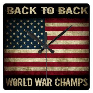 Campeones adosados mutuamente de la guerra mundial reloj cuadrado