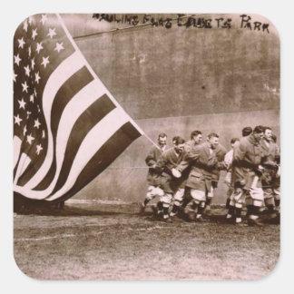 Campo 1914 de Ebbets de la ceremonia de aumento de Pegatina Cuadrada