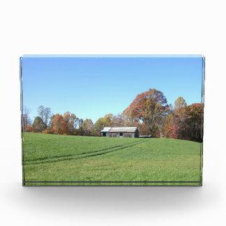 Campo con el granero