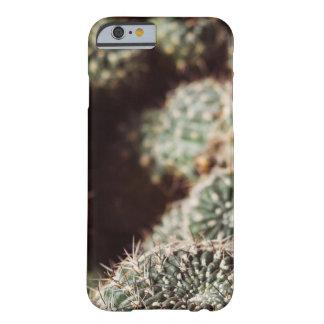 Campo de cactus, fotografía botánica roja caliente funda para iPhone 6 barely there