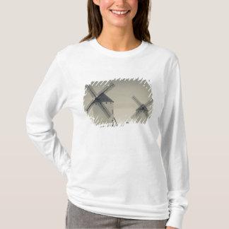 Campo de Criptana, antique La Mancha windmills 2 T-Shirt