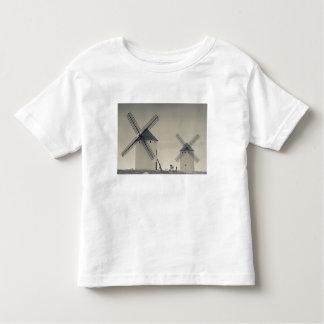 Campo de Criptana, antique La Mancha windmills 2 T Shirt