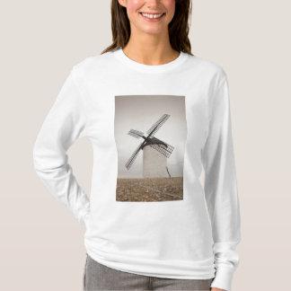 Campo de Criptana, antique La Mancha windmills 3 T-Shirt