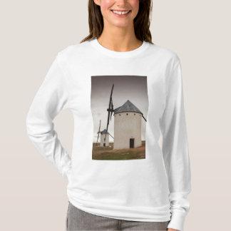 Campo de Criptana, antique La Mancha windmills 5 T-Shirt