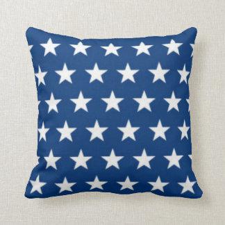 Campo de estrella azul y blanco cojin