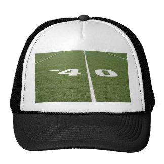 Campo de fútbol cuarenta gorras de camionero