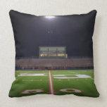 Campo de fútbol iluminado almohadas