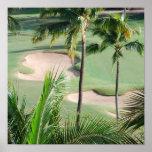 Campo de golf en poster de las zonas tropicales