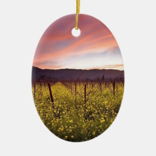 Campo de la naturaleza del amarillo adorno de navidad