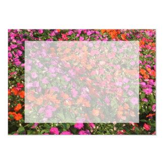 """Campo de las flores anaranjadas rosadas púrpuras invitación 5"""" x 7"""""""