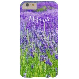 Campo de las flores púrpuras de la lavanda funda para iPhone 6 plus barely there