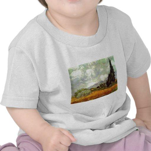 Campo de trigo con los cipreses camisetas
