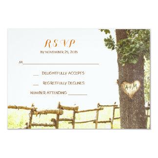 campo del árbol de amor que casa las tarjetas de invitación 8,9 x 12,7 cm