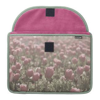 Campo del caso de los tulipanes fundas para macbooks