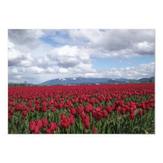 """Campo rojo del tulipán invitación 5"""" x 7"""""""
