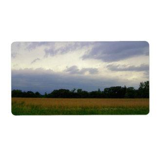 Campos de granja inminentes tempestuosos del mún t etiqueta de envío
