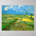Campos de trigo en Auvers debajo de las nubes de V Poster