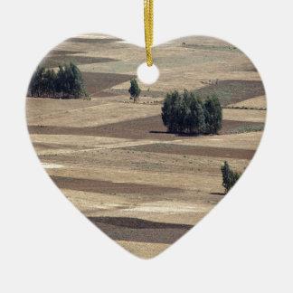 Campos después de la cosecha adorno navideño de cerámica en forma de corazón
