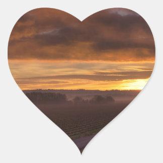 Campos oscuros de la noche de la puesta del sol de calcomanía corazón personalizadas