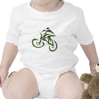 Campos verdes de la bici camiseta