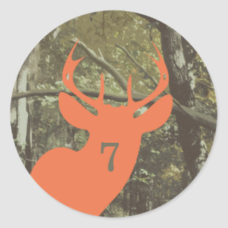 Camuflaje + Cumpleaños anaranjado de los ciervos Pegatina Redonda
