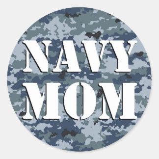 Camuflaje de la mamá de la marina de guerra pegatina redonda