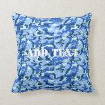 Camuflaje del azul de cielo del arbolado almohada