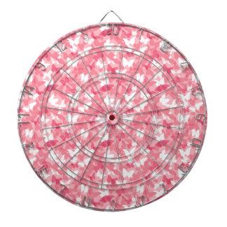Camuflaje rosado de la mariposa tabla dardos