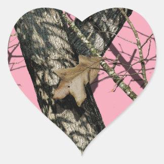 Camuflaje rosado pegatina en forma de corazón