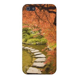 CANADA, British Columbia, Victoria. Autumn Case For iPhone SE/5/5s