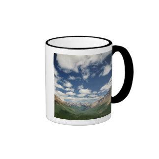 Canadá, Columbia Británica, Yoho NP. Nubes hinchad Tazas De Café