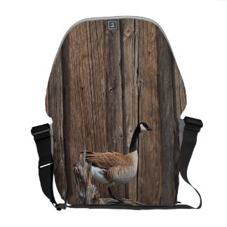 CANADA GOOSE ON BARN BOARD MESSENGER BAG