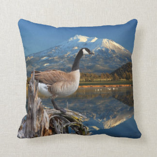 CANADA GOOSE ON THE LAKE 104 PILLOWS