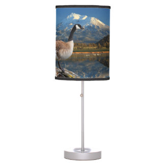 CANADA GOOSE ON THE LAKE DESK LAMP