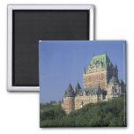 Canadá, la ciudad de Quebec.  Castillo francés Fro Imán Cuadrado