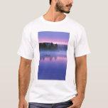 Canada, Ontario, Algonguin Park, Canoeist on T-Shirt