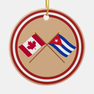 Canadá y banderas cruzadas Cuba Adorno Redondo De Cerámica