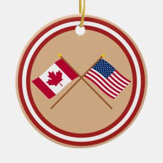 Canadá y banderas cruzadas Estados Unidos Adorno Redondo De Cerámica