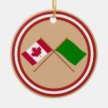 Canadá y banderas cruzadas Libia Ornamente De Reyes