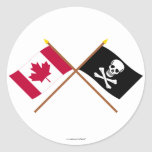 Canadá y banderas cruzadas pirata etiqueta redonda