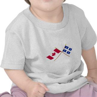 Canadá y banderas cruzadas Quebec Camiseta