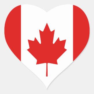 Canadiense de la bandera de la hoja de arce de pegatina en forma de corazón