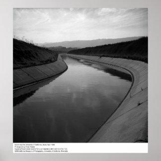 Canal cerca de Uc Davis, 1966 Póster